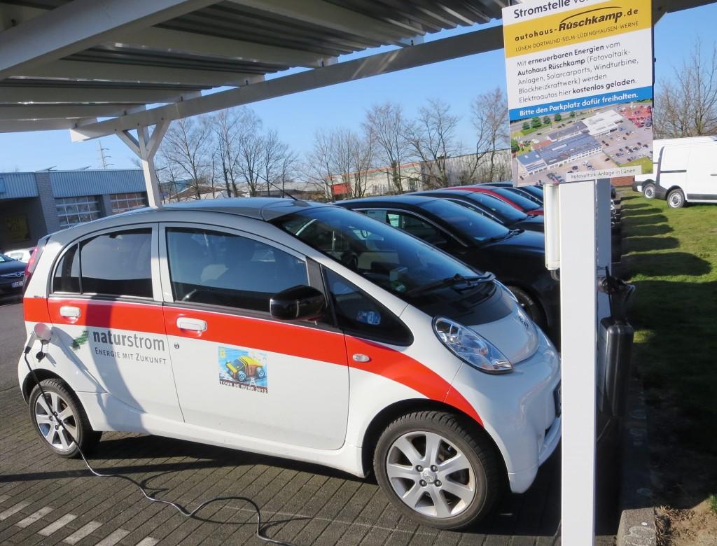 Hier kommt der Strom kostenlos von der Sonne - Solarcarport Lüdinghausen