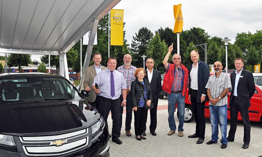 Solarcarport und Windturbine für das neue Autohaus in Dortmund 2013