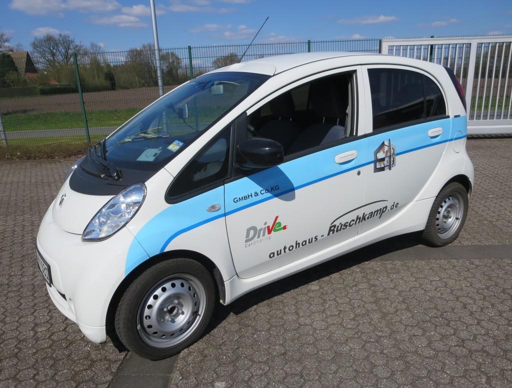 Dieser iOn von Rüschkamp, 2012 zugelassen, dient als Leihwagen von Drive Carsharing.