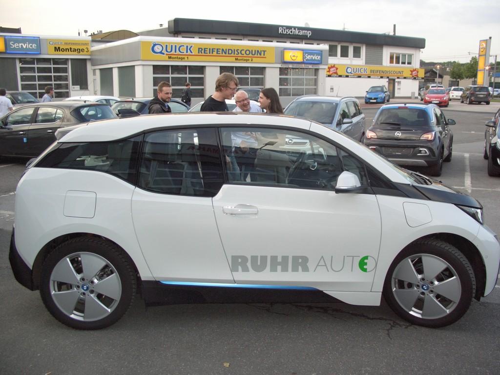 Ein BMW im Opel-Autohaus!. RUHRAUTO-e ist Partner von Rüschkamp