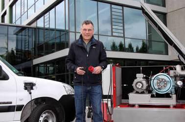 Dipl. Ing. Thomas Krause, Westf. Hochschule, hiwer mit einem Peugeot Partner von Rüschkamp.