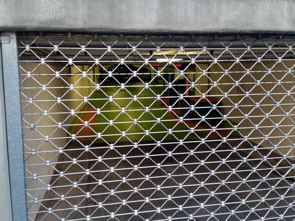 Am Wochenende kaum erreichbar sind die Ladeplätze im Kleist-Forum. Die Tiefgarage ist samstags ab 18 Uhr und sonntags ganz geschlossen. Foto: Münch